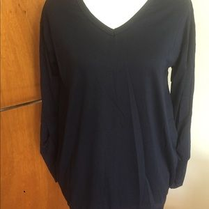NWOT Women's Long Sleeve Top w/Front Pockets